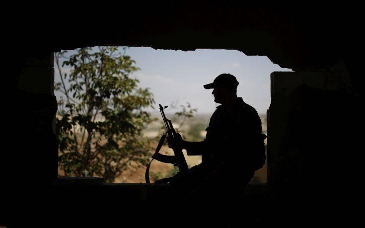 Τριάντα πέντε στρατιώτες νεκροί στη Συρία, συνεχίζονται οι επιθέσεις του Ισλαμικού Κράτους