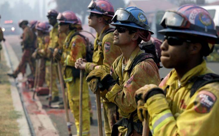 Πυροσβέστης έχασε τη ζωή του στη μάχη με τη φωτιά-τέρας στην Καλιφόρνια