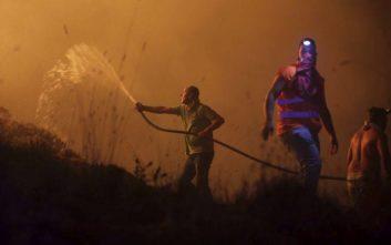 Περισσότεροι από 400 πυροσβέστες δίνουν μάχη με τις φλόγες στην Πορτογαλία