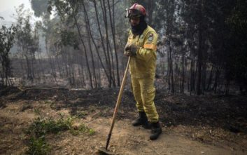 Σε ύφεση οι πυρκαγιές στην Πορτογαλία και την Ισπανία