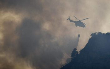 Σε εξέλιξη φωτιά στην περιοχή Αμάδες Χίου