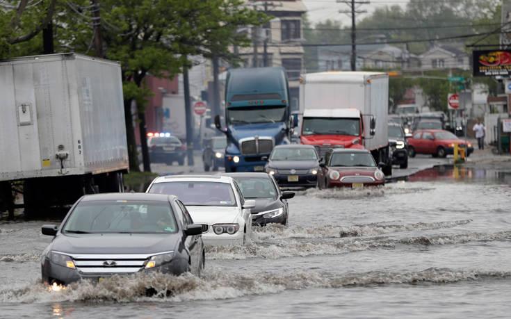 Η γειτονιά που γεμίζει ανθρώπινα περιττώματα σε κάθε καταιγίδα