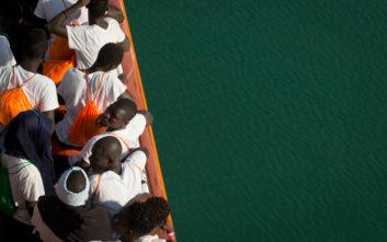 Διασώθηκαν 242 μετανάστες σε φουσκωτές λέμβους στη Μεσόγειο