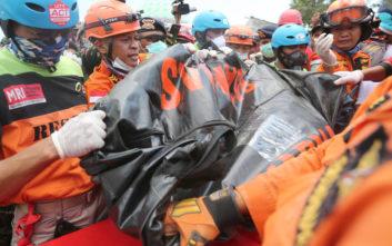 Τους 131 έφτασαν οι νεκροί από το φονικό σεισμό στην Ινδονησία
