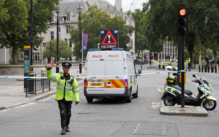 Μέι: Η τρομοκρατική απειλή παραμένει ισχυρή