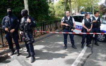 Φωτογραφίες από το σημείο της επίθεσης με μαχαίρι στο Παρίσι