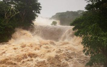 Με ανέμους 200 χιλιομέτρων φτάνει στη Χαβάη ο τυφώνας Lane