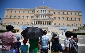 Τα νέα υγειονομικά πρωτόκολλα για τους τουρίστες ανακοινώνει η κυβέρνηση την επόμενη εβδομάδα