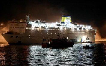 Εικόνες από τη φωτιά στο πλοίο «Ελ. Βενιζέλος»
