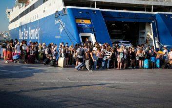 Σε ισχύ μέτρα του Λιμενικού για τη διευκόλυνση των επιβατών