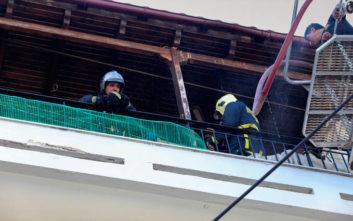 Εικόνες από την φωτιά σε διαμέρισμα στη Νίκαια