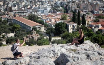 Πανηγυρίζουν τα διεθνή ΜΜΕ για το άνοιγμα της τουριστικής σεζόν στην Ελλάδα