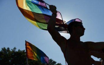 Οι μισοί Βρετανοί LGBT έφηβοι έχουν βλάψει τον εαυτό τους