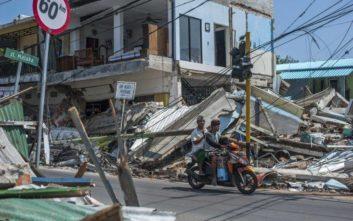 Στους 321 οι νεκροί από τον καταστροφικό σεισμό στην Ινδονησία