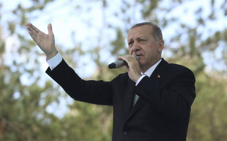 «Η Τουρκία παραπαίει στην άβυσσο του Ερντογάν»