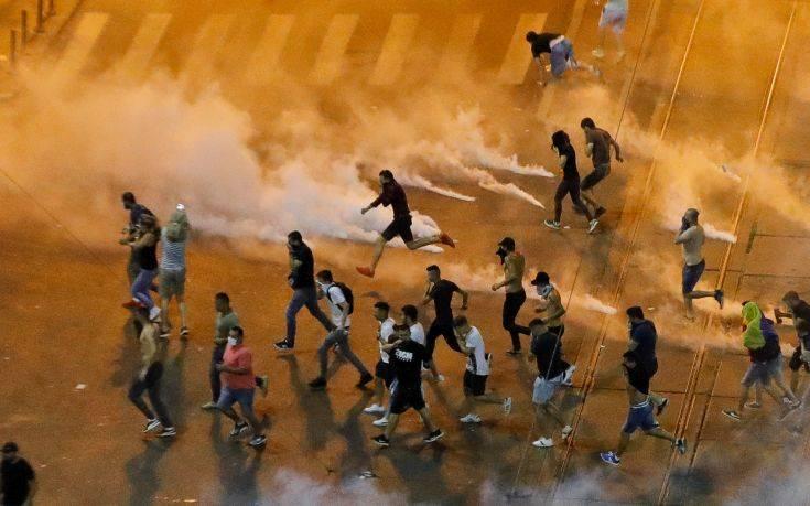 Σκληρές συγκρούσεις και εκατοντάδες τραυματίες στο Βουκουρέστι