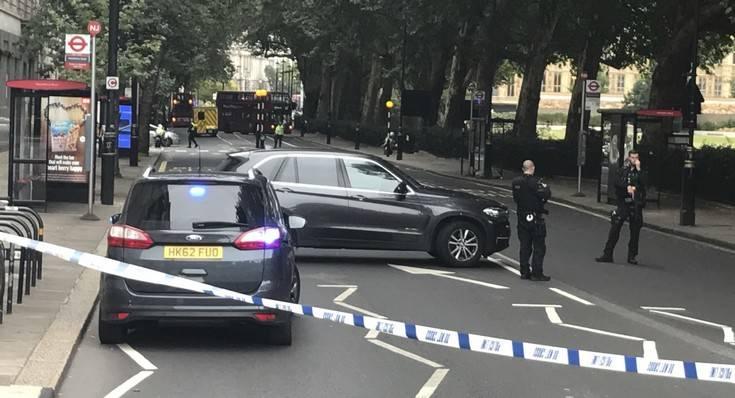 Η αντιτρομοκρατική ηγείται της έρευνας για το περιστατικό στο Κοινοβούλιο της Βρετανίας