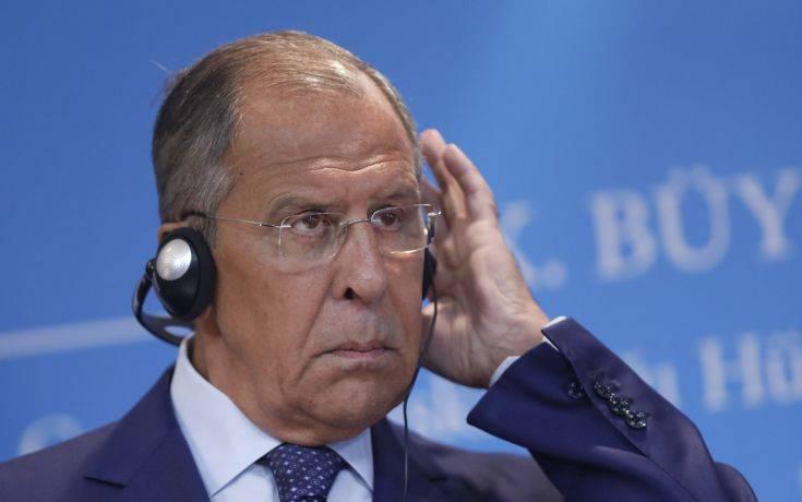 Λαβρόφ: Οι αμερικανικές κυρώσεις επηρεάζουν αρνητικά το δολάριο