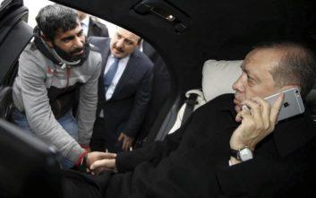 Οι Τούρκοι σπάνε τα iPhone