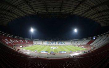 Το γήπεδο άδειο, αλλά οι οπαδοί του Ερυθρού Αστέρα έδωσαν δυναμικό «παρών»
