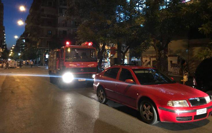 Φωτιά σε ξενοδοχείο στο κέντρο της Αθήνας