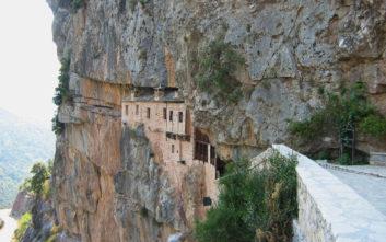 Εντυπωσιακά εξωκλήσια της Ελλάδας