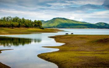 Μαγευτικές εικόνες της λίμνης Πλαστήρα