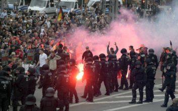 Συγκρούσεις ακροδεξιών και ακτιβιστών κατά του ναζισμού στη Γερμανία