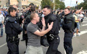 Με «fake news» Γερμανοί ακροδεξιοί κινητοποίησαν κόσμο για επιθέσεις κατά μεταναστών