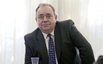 Παραιτήθηκε ο πρώην πρωθυπουργός της Σκωτίας για να μη βλάψει το κόμμα του