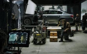 Η BMW 5 Sedan δίπλα στον θρυλικό Jack Ryan