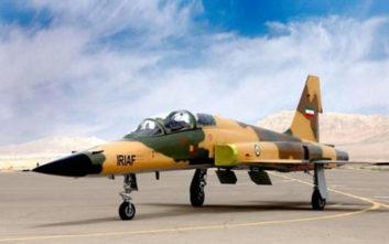 Το Ιράν παρουσίασε ένα νέο μαχητικό αεροσκάφος