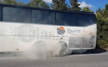 Λεωφορείο με τουρίστες έπιασε φωτιά στην Κρήτη