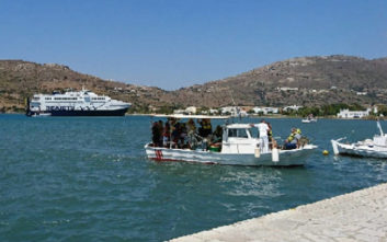 Στο Γαύριο της Άνδρου οι επιβάτες του «Andros Jet» που προσάραξε σε αβαθή