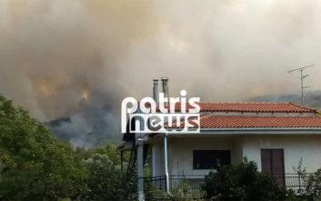Οι πρώτες φωτογραφίες από τη μεγάλη φωτιά στην Αμαλιάδα