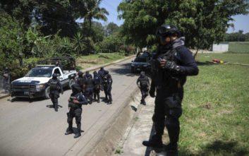«Στον πάγο» όλοι οι αστυνομικοί του Ακαπούλκο, ως ύποπτοι για σχέσεις με τα καρτέλ ναρκωτικών