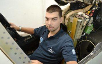 Νεαρός κατασκευάζει στο σπίτι του πιλοτήριο μαχητικού αεροσκάφος