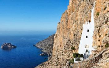 Οι ωραιότερες εκκλησίες της Παναγίας στο Αιγαίο