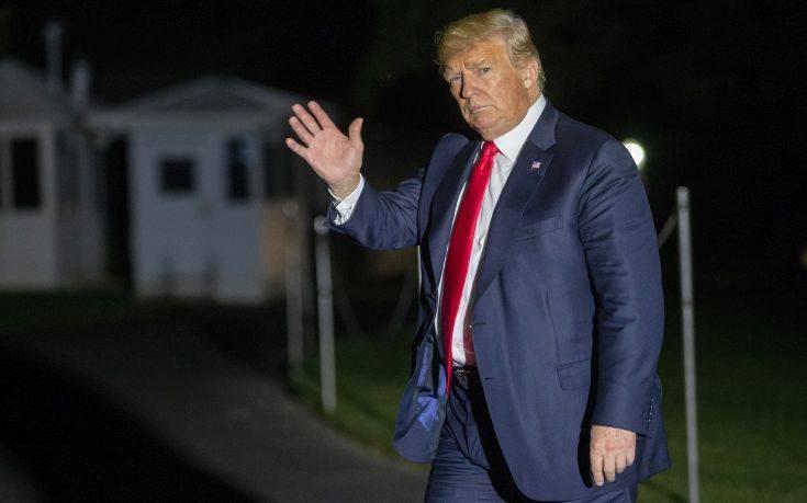 Αυτοψία Τραμπ στις περιοχές που ισοπέδωσε ο κυκλώνας Φλόρενς