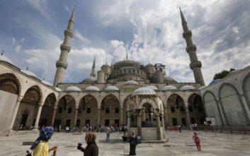 «Χαστούκι» από S&P και Moody's στην Τουρκία την ώρα που ο Τραμπ κλιμακώνει τις απειλές
