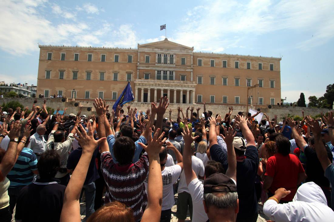 Τι ήταν τελικά οι Αγανακτισμένοι και πώς στήθηκε το κίνημα που δεν ξαναγύρισε στην πλατεία