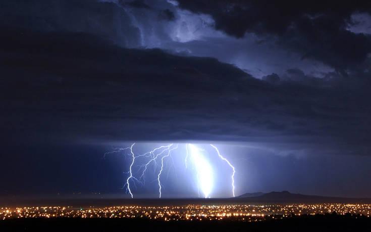 Έρχεται η κακοκαιρία «Θάλεια»: Βροχές, καταιγίδες και χαλαζοπτώσεις
