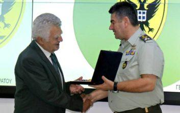 Νέα μετάλλια σε απόστρατο ταξίαρχο που τα έχασε στις φλόγες στο Μάτι