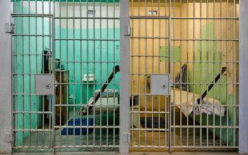 Βγήκε από τη φυλακή και διαπίστωσε πως είχε χάσει σύζυγο και σπίτι