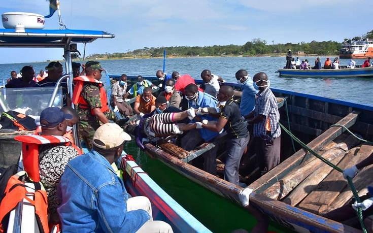 Ανασύρθηκε ένας επιζών τρεις μέρες μετά το ναυάγιο στην Τανζανία