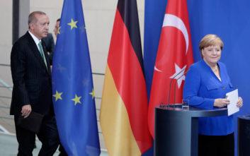 Μέρκελ: Οι εξελίξεις δεν καθιστούν πιθανότερη την ένταξη της Τουρκίας στην ΕΕ