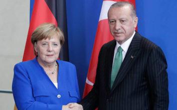 Επικοινωνία Μέρκελ - Ερντογάν για την ανατολική Μεσόγειο: Διάλογο ζήτησε ο Τούρκος πρόεδρος