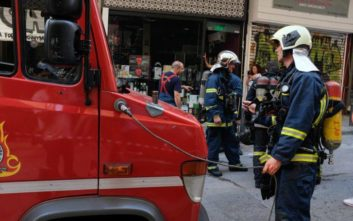 Στις φλόγες φορτηγό εν κινήσει στην Αγίου Μελετίου