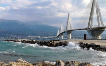 Γέφυρα Ρίου - Αντιρρίου: Μπήκαν οι πρώτοι φορτιστές οχημάτων
