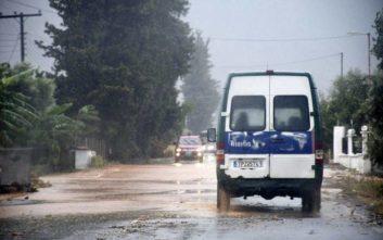 Οι δρόμοι του Κιάτου μετατράπηκαν σε χείμαρρο